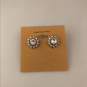 Chloe + Isabel Jewelry - Chloe + Isabel Celestial Frost Stud Earrings.